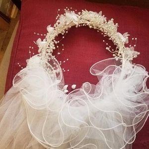 White Bridal Headband Wreath Veil